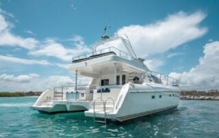 boatrental_playadelcarmen_catamaran_1