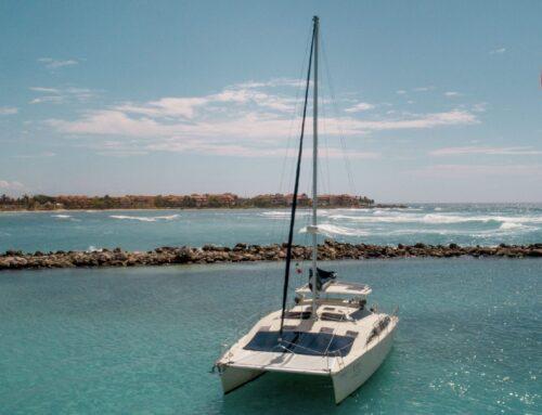 36″ PDQ Catamaran (Up to 15 people) COAST SNORKELING