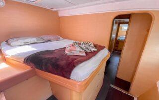 boatrental_playadelcarmen_catamaran42ft_interior5